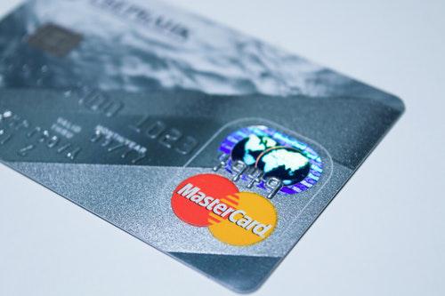 Kostenlos Kreditkarte ohne Schufa